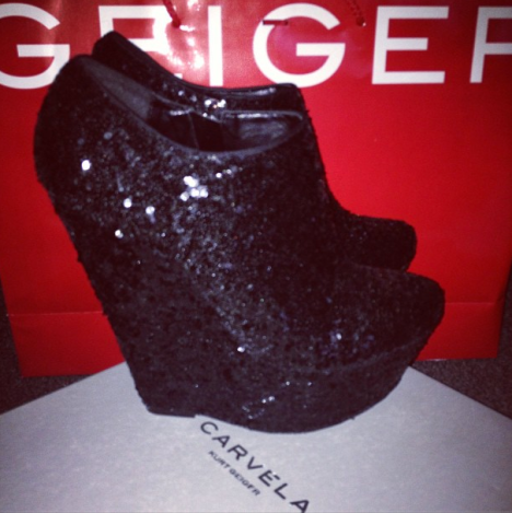 black-sequinned-wedges-carvela-kurt-geiger
